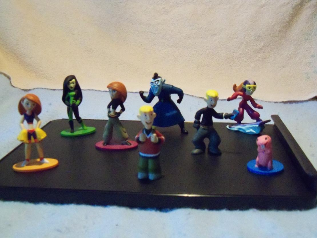 Name:  KP 6-Figure Playset Group Picture.jpg Views: 903 Size:  95.3 KB
